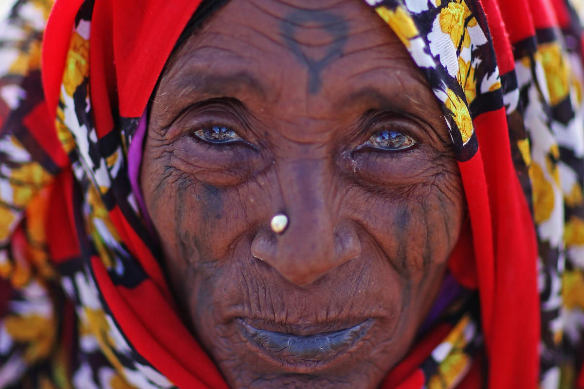 Photo © marcel staron / 500px.com | Woman in Keren, Eritrea